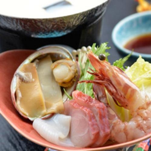 【夕食】季節の一例 海鮮豆乳しゃぶしゃぶ
