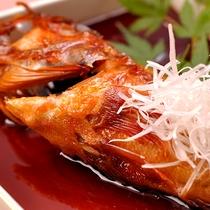 【料理】季節の夕食一例(季節の煮魚)