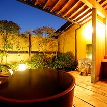 【客室】客室と露天風呂が独立している露天付和室