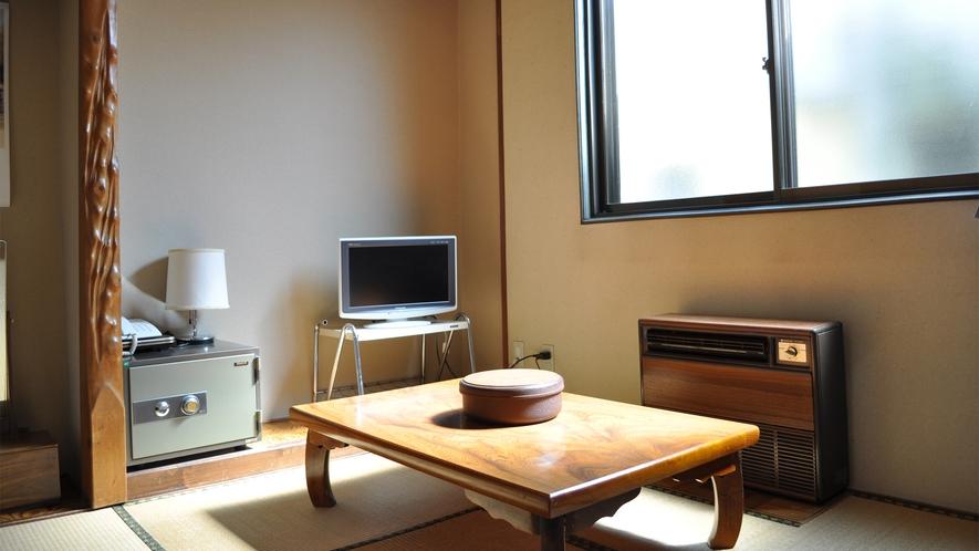 【旧館和室】畳の香りに癒されます。