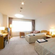 【ツインルーム】阿蘇の山々が一望できる32平米のお部屋。