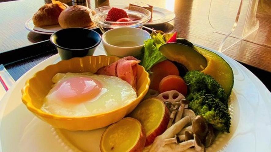 【朝食】採れたて野菜のワンプレート