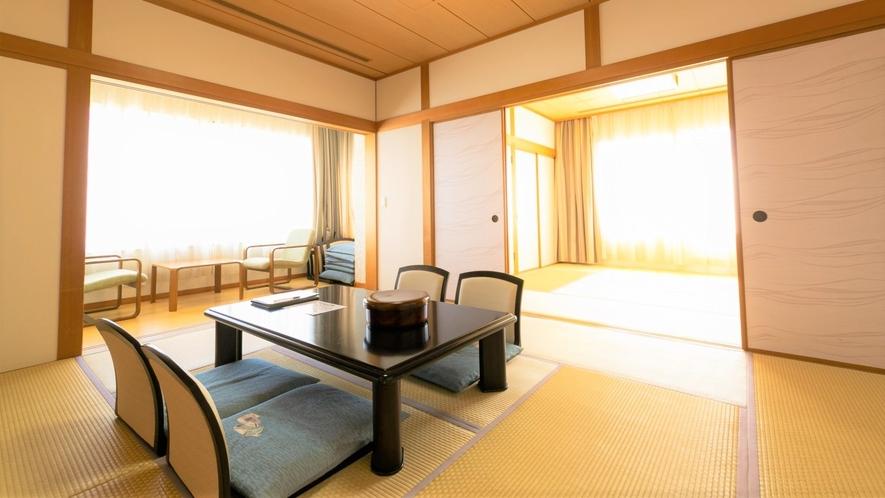 広めの和室(10畳+8畳) 阿蘇山ビュー