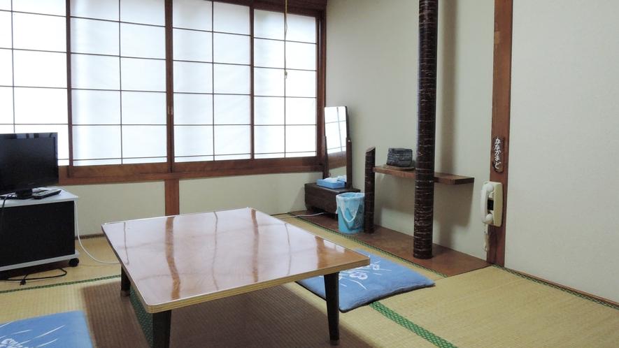 *客室5.5畳一例/一人旅、カップル、ご夫婦にお勧めの広さ。純和風の空間が落ち着きます。