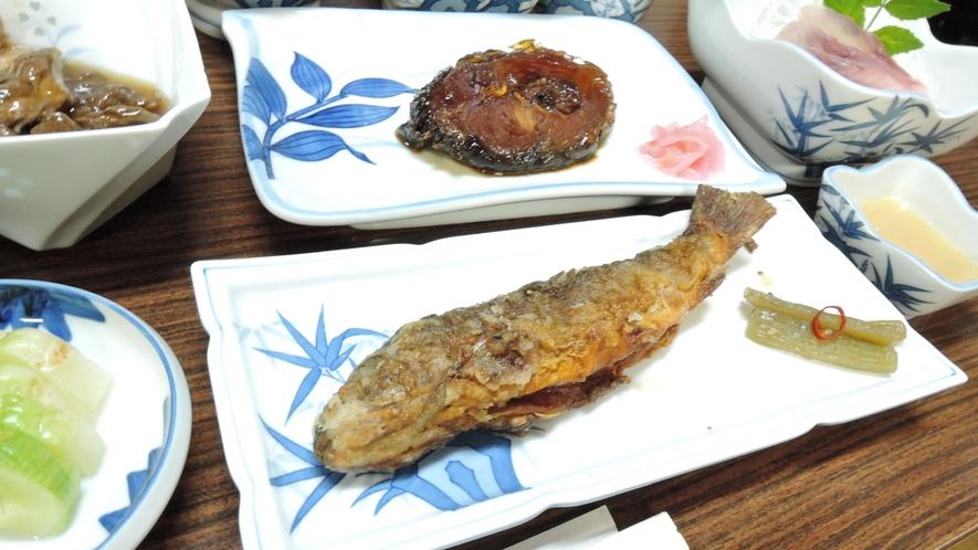*夕食一例/「阿仁川の天然鮎」または「森吉の天然岩魚」をお好みで選べます。