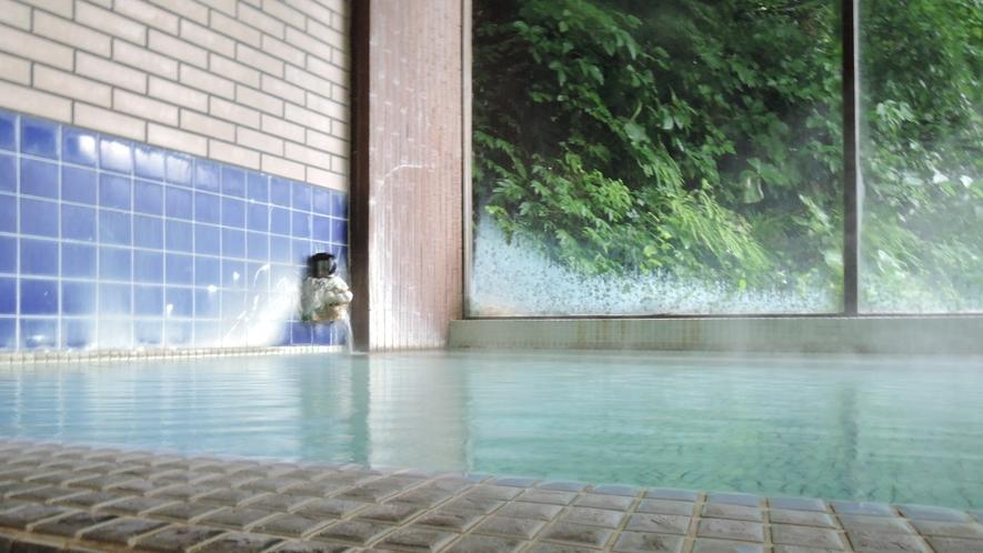 *男女別内湯/加温・加水一切なし!源泉をそのまま24時間かけ流しております。