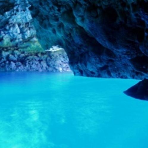 青の洞窟(ホテル近く)