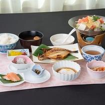 *ご朝食一例/季節や仕入れの状況により、お料理の内容が変更される場合もございます。