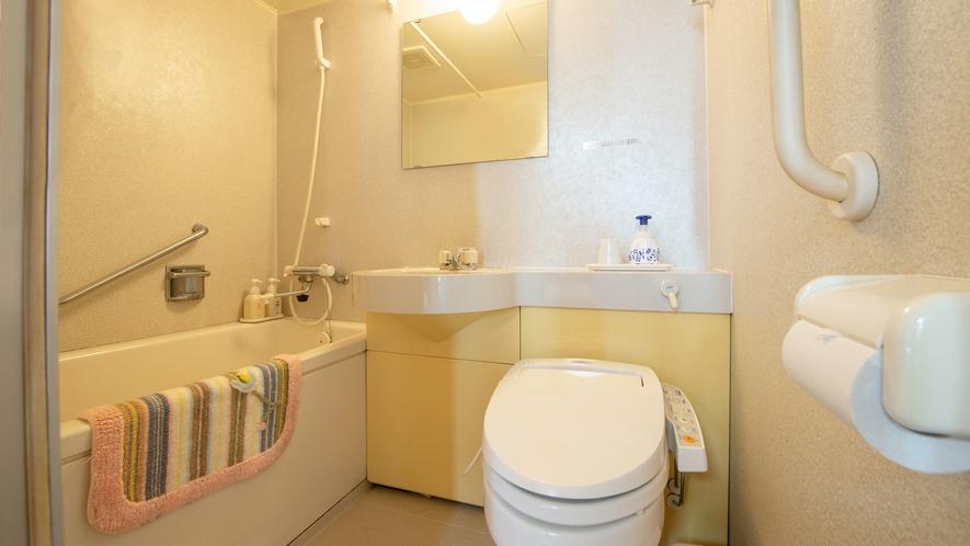 *和洋室/バストイレ付の快適なお部屋です。