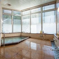 *女性大浴場/洗い場も清潔で快適!