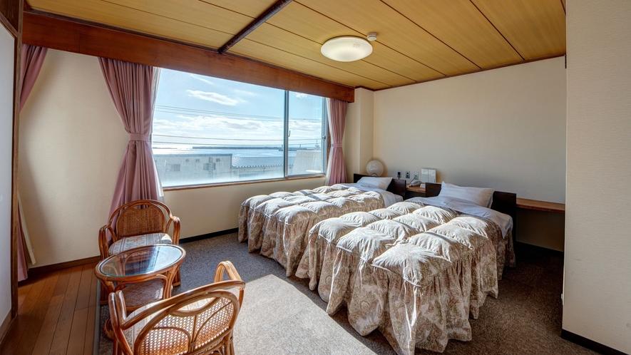 *和洋室/窓が広く明るいお部屋です。