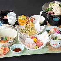 *お夕食一例「和食会席(9品)」季節や仕入れの状況により、お料理の内容が変更される場合もございます。