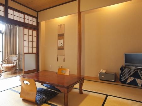 和室8畳 懐かしい畳のお部屋 ウォシュレット・洗面台付き