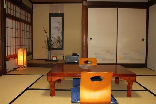 和室8畳ワイド 5名様利用のできるお部屋 広々お縁