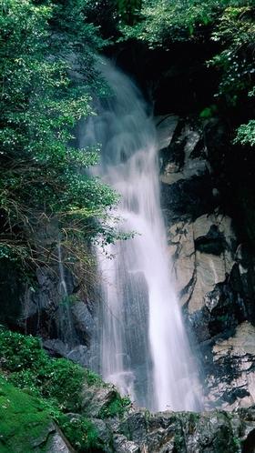 【鳥栖市】御手水の滝(おちょうずのたき)