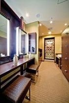 2F女性大浴場脱衣室パウダー