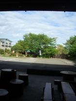 屋根付き広場