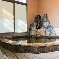 *[温泉・女湯]お肌に良いとされるメタケイ酸を豊富に含む温泉