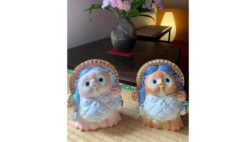 *売店の信楽焼コーナーに新しい狸が加わります。その名は『アマビエ様狸』です♪