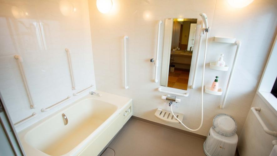 *【特別室】客室に手すり付きのトイレとお風呂を完備!床も全てバリアフリーで車いすでも安心して宿泊◎