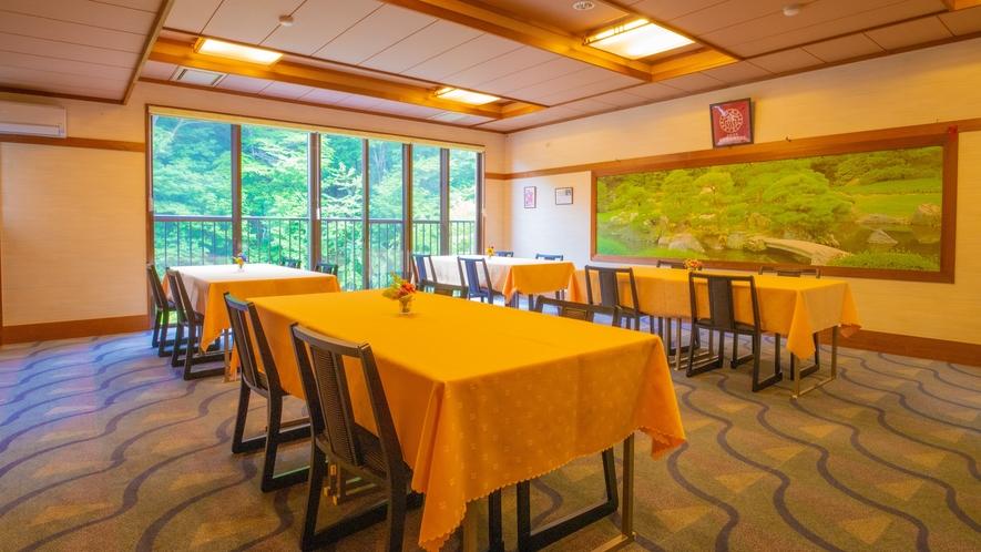 お食事会場の大広間