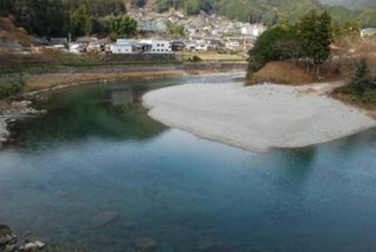 宮崎の川原 ここは池川茶園のある仁淀川の畔 夏はキャンプもできます