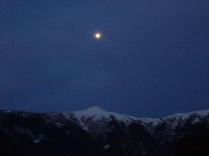 神秘的な真冬の中津明神山もいいね
