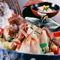 【冬 料理一例】地物活松葉蟹のカニ刺し
