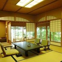 【特別室 雲井】10帖+6帖+茶室+テラス。多くの文化人にご愛用頂いたお部屋です