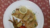 鶏むね肉のレモンソテー地元の野菜添え。