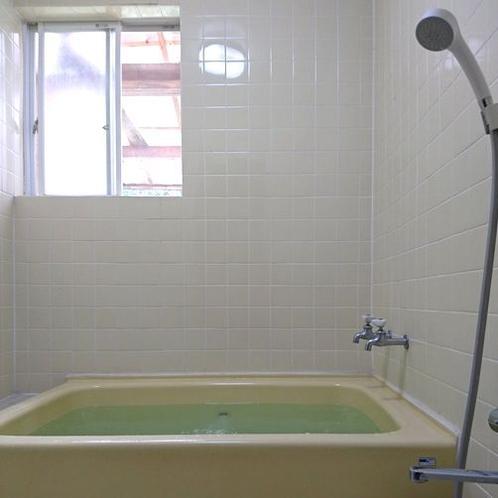 【貸切風呂】24時間利用可能です。家族全員で入れます。