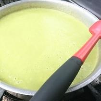 【夕食】グリーンピースのポタージュ