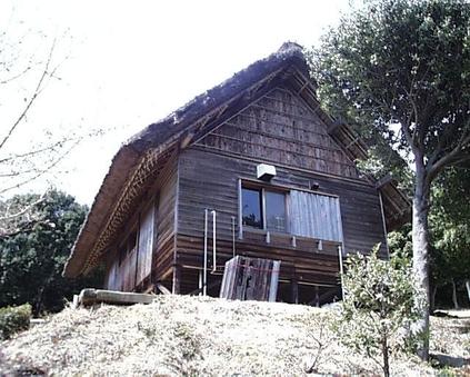 高床式住居(トイレ・シャワー付)