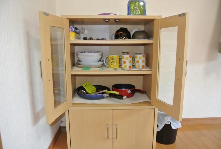 食器類、鍋、プライパン。自炊も自由にできます☆