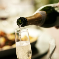 シャンパン(イメージ写真)