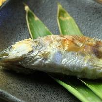 【夕食】地元食材を使った心温まる料理をお楽しみください。