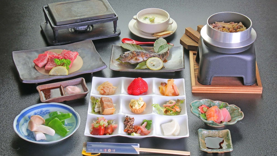 【夕食】満足感たっぷりの「豊後牛ステーキ御膳」です。