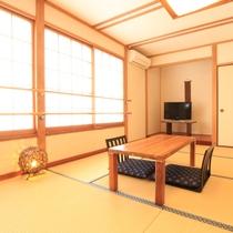 【和室12畳 もみじ】自然の移ろいを感じながら、ゆっくりおくつろぎ下さい。