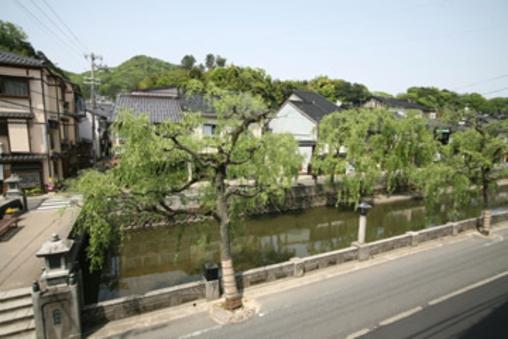 【一番人気】柳並木と大谷川を望む和室