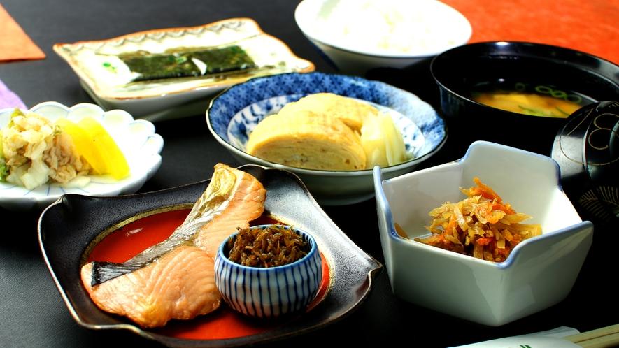 日本の朝はやはり和食!!良い1日のスタートに!!