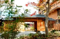 季の庭 正面玄関