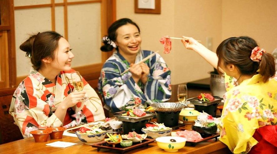 ●【ご夕食】ご友人と語らいのひとときを