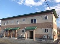 「ケンジの宿 新館」 外観 入口側
