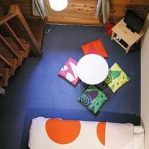 *部屋/ロフト付・5名様までお泊りいただけるお部屋です。ベッドは1階と2階にございます。
