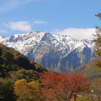 *日本百名山のひとつでもある谷川岳の紅葉