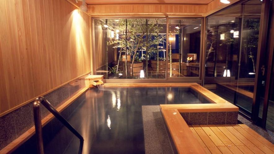 「天空の森」展望檜風呂/夜の風景