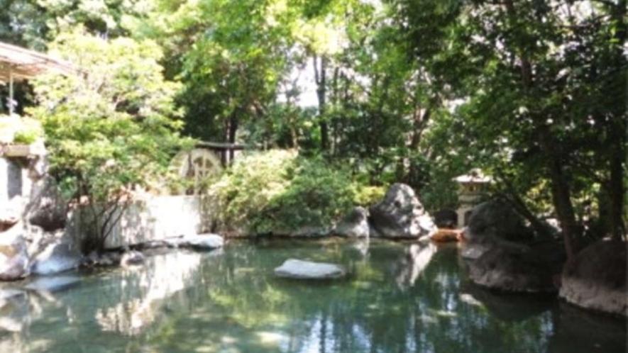二連水車大露天風呂/のびやかな自然の開放感を肌に感じさせる露天風呂