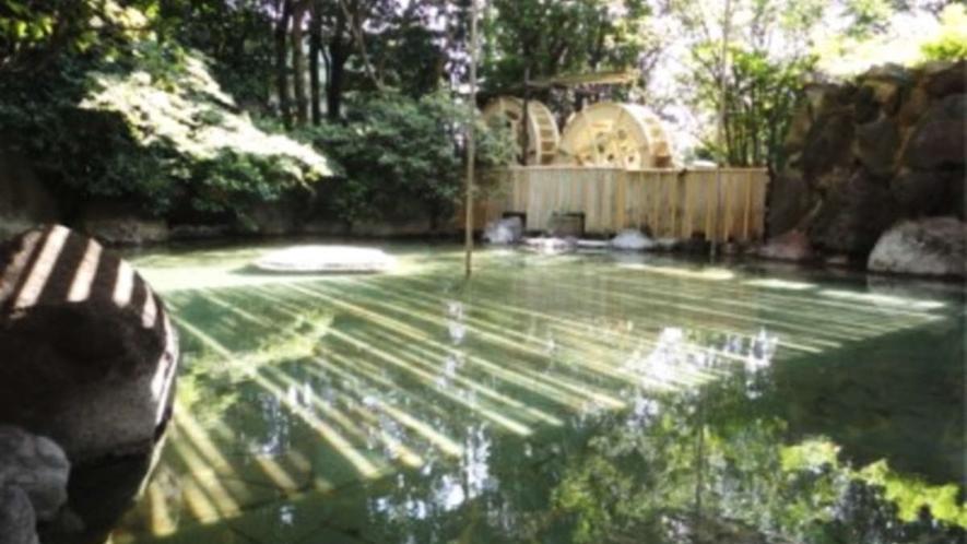 二連水車大露天風呂/野趣にあふれていて、自然と一体になれる至福の時をお楽しみいただけます
