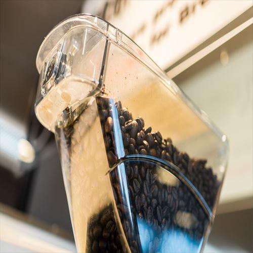 コーヒーマシン〜挽きたてをご用意いたします!