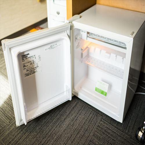 静音冷蔵庫〜運転音と振動音を抑えて、静かな客室空間